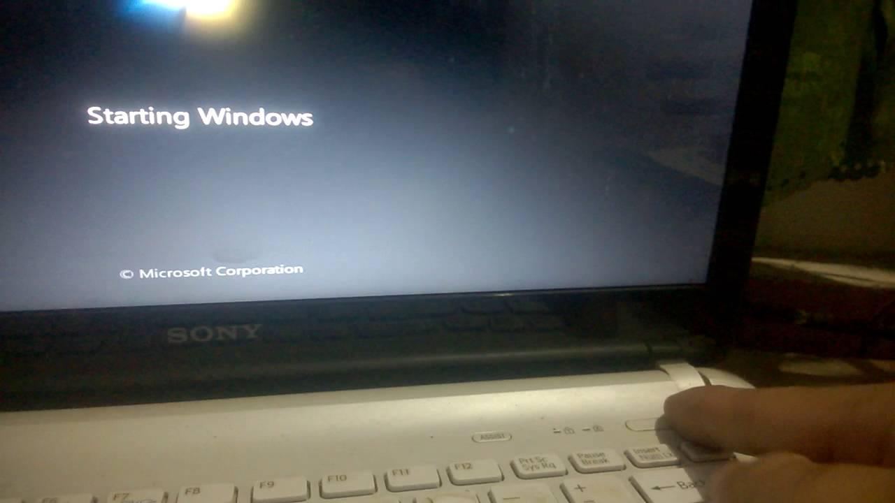 Laptop không lên màn hình và bàn phím